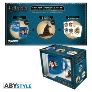 Coffret Harry Potter : Harry enfant (mug, porte-clés, stickers)